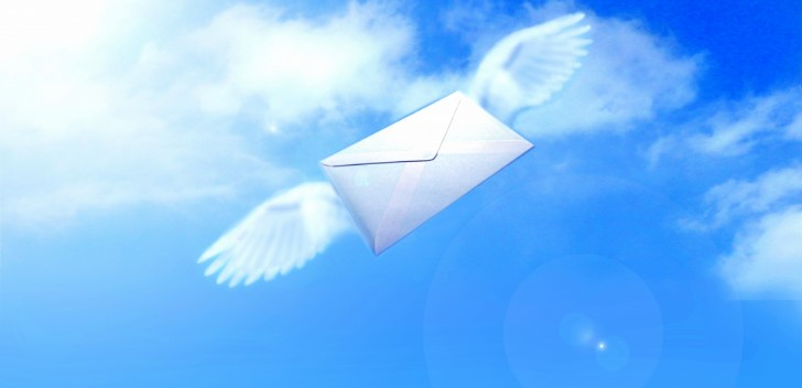 メールを届けるイメージ