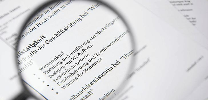 テキストリンクのメリットに注目するイメージ
